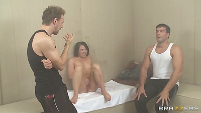 Natural tits Casey Cumz enjoys a threesome blowjob
