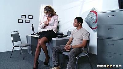 Office milf action with Nikki Sexx