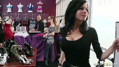 Brunette milf Veronica Avluv shows her bra to man