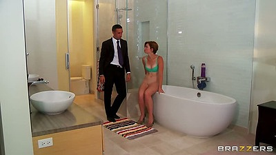 Teen Jodi Taylor blowjob in shower and bathtub