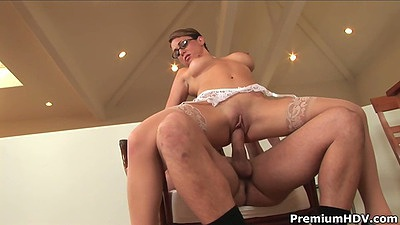 Reverse cowgirl milf fucking with Holly West