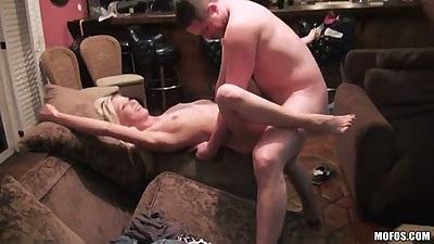 Blonde hardcore fuck with Jeanie Marie Sullivan an dKara Price