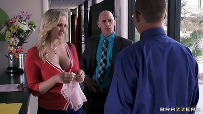 Blonde milf Julia Ann wearing a nice shirt showing her clevage