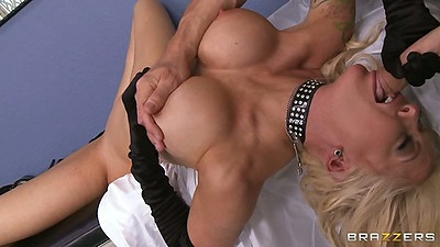 Doctor big tits reverse blowjob with dr Helly Hellfire