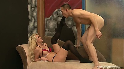 Courtney Taylor gets her feet loved and does footjob