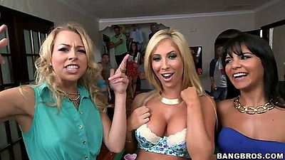 Group of sexy sluts hitting the college dorm for a party Rose and Zoey Monroe