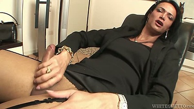 Masturbation transsexual Melissa Del Pardo and blowjob in office