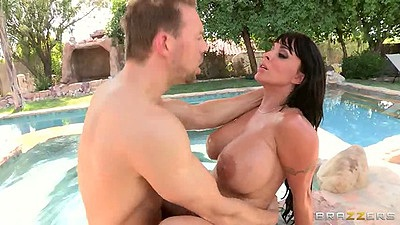 Anal milf fuck outdoors with Holly Halston