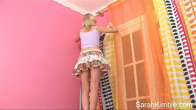 Miniskirt Sarah Kimble no panties up her skirt