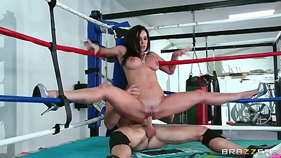 Sporty mifl reverse cowgirl boxing ring fuck with Kendra Lust