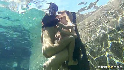 Underwater milf sex with Isis Love and Blake Rose