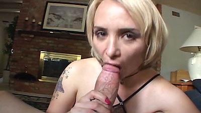 Sophia Mounds blonde blowjob and spread open sex on the sofa