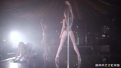 Stripper Angel Wicky dancing away in the strip club
