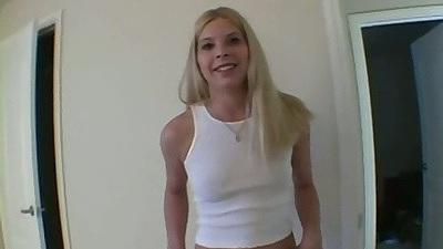Blonde amateur Kenzi lifts shirt and pov handjob