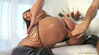 Big ass oil fuck with anal and fishnet Vanessa Blake