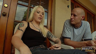 Blonde milf Teddi Holland is a true ghetto hoe