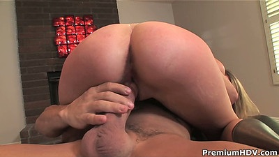 First timer college girl with nice ass Jamie Reams fucked and licked