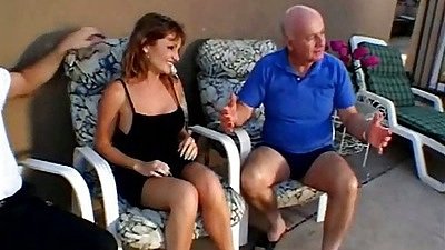 Alexis milf has a hairless yet pierced clit to get fucked