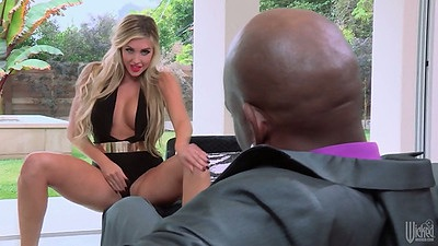 Interracial blowjob with white skani Samantha Saint
