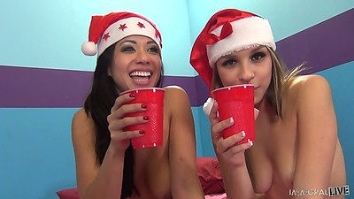 Kimmy Lee and Carmen Caliente having refreshments and suck penis
