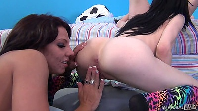 Heather Joy and Ashli Ames with Lylith Lavey fingerin and vibrator on clit