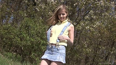 Solo teen Abigaile Johnson goes outdoors in the bushes after we picked her up