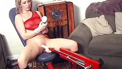 Girls fucks her machine dildo with Taffy Divine