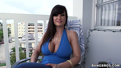 Busty milf Lisa Ann having a scene solo and teasing with ass