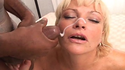 Facial cumshot squirting with some mature whores