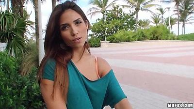 Stunning latina babe Isabella DeSantos outdoors in the walk