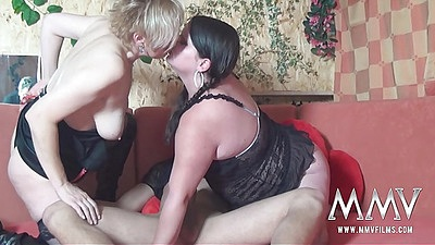 Kissing swapping girlfriends Evelin and Melissa