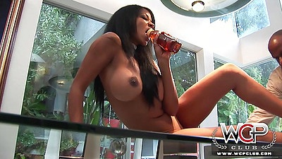 Big boobs ebony Serena Sinfull lays on kitchen table for cunnilingus
