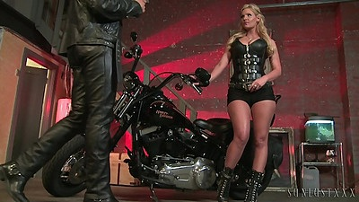 Sexy leather blowjob with good Phoenix Marie