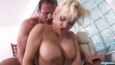 Big boobs Britney is an amateur with nice big juggs