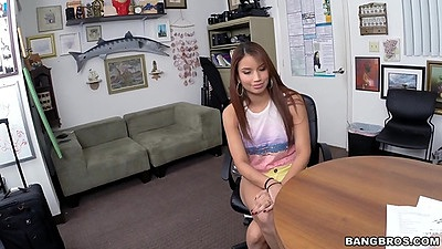 Jessi Lopez petite latina in cute yellow shorts sits at her interview